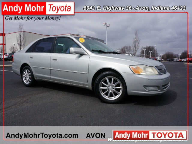 2002 Toyota Avalon XLS 4D Sedan
